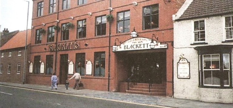 External view of Blacketts building from 1976